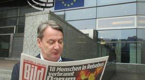 Habonyt idézve mutatta meg KGBéla, hogy Brüsszelben van