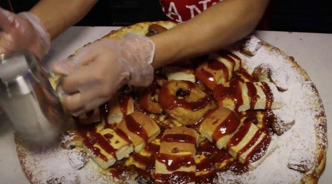 Undorító videó: a pizza, ami egyszerre előétel, főétel és desszert