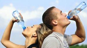 Ne töltse újra vízzel a palackját, ha jót akar magának!