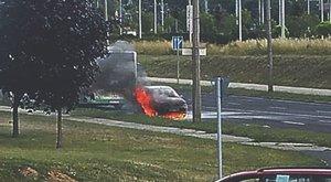 Szervizből jövet égett ki Bence autója - fotók