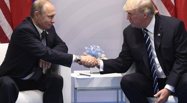 Először fogott kezet Trump és Putyin - mögöttüklángokba borították Hamburgot