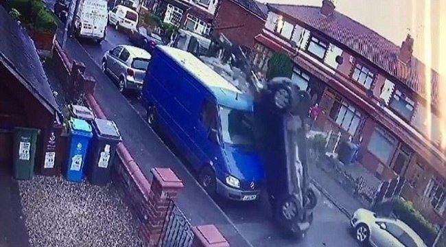 Lopott teherautóval döntötte romba az utcát