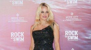 Máris kihátrált egy hete nyílt étterem mögül Pamela Anderson