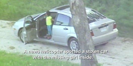 Minden szülő rémálma: a kocsival együtt a gyereket is ellopták – videó