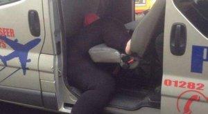 Ciki és gáz is: nagyon megszívta, amikor taxiba ült