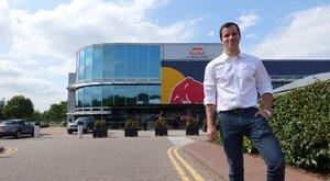 A Red Bull magyar mérnöke: Más szemmel nézem a futamokat