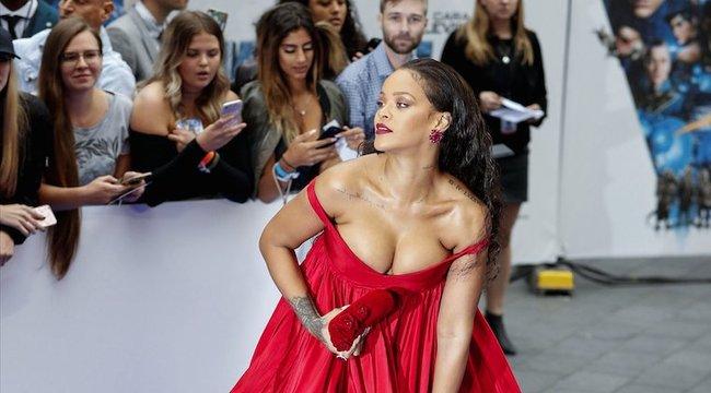 Majdnem kivillant Rihanna melle