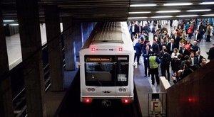 Kapaszkodjon: kiderült, miért állt le reggel a metró