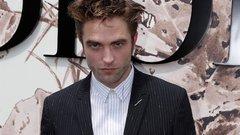 Durva, mivel bukott le Pattinson