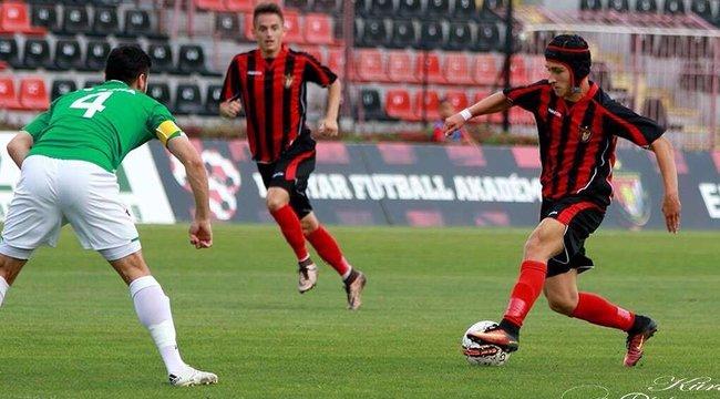 Agydaganattal műtötték, most a bajnok Honvédban focizik