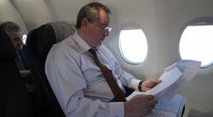 Zavaros történet: nem is akart leszállni Pesten Putyin helyettese
