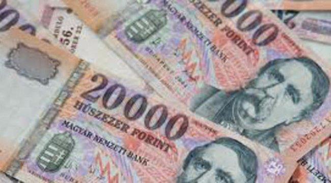 Gondozottjai pénzét nyúlta le a pénzt a szegedi nő – 11 milliós kárt tett