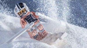 Életre kelnek a LEGO-figurák Benedek fotóin