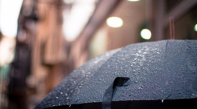 Napszemüveg és esernyő: jégesővel érkezhet az enyhülés az országba