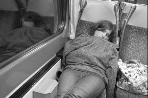Ne aludjon el a vonaton! - kirabolták a lányt, öccsét még fojtogatta is a három hajdúhadházi férfi