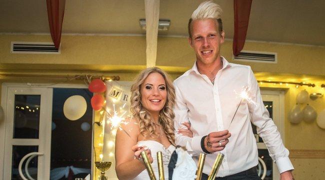 Kapusa esküvőjén ünnepelte az Újpest-verést a Honvéd – exkluzív fotók