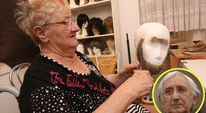 60 éve készít parókákat Garas Dezső testvére