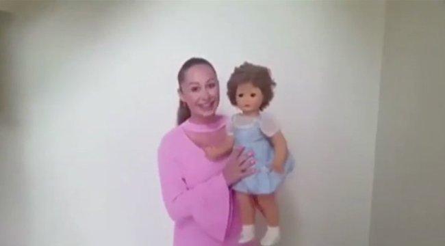 100 éves baba ijeszti halálra a háztulajdonosát – videó