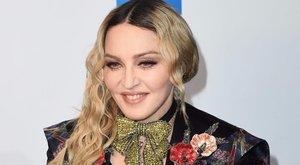 Ettől marad feszes Madonna - fotó