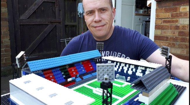 Richard az összes brit focistadiont megépíti legóból