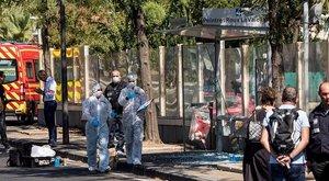 Két buszmegállót is letarolt egy autós Marseille-ben