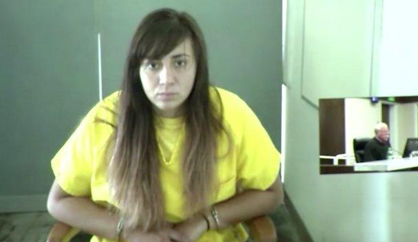 Élőben közvetítette a száguldást: tini húga holtteste felett is filmezett - videó