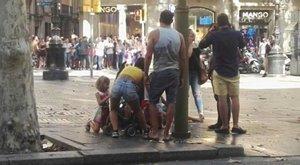 Lelőttek egy robbanómellényt viselő embert a barcelonai terrorral kapcsolatban