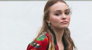 Alighogy nagykorú lett, máris vetkőzik Johnny Depp lánya - fotók