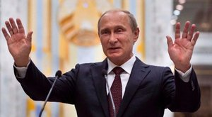Budapestre jön, de Debrecent lemondta Putyin