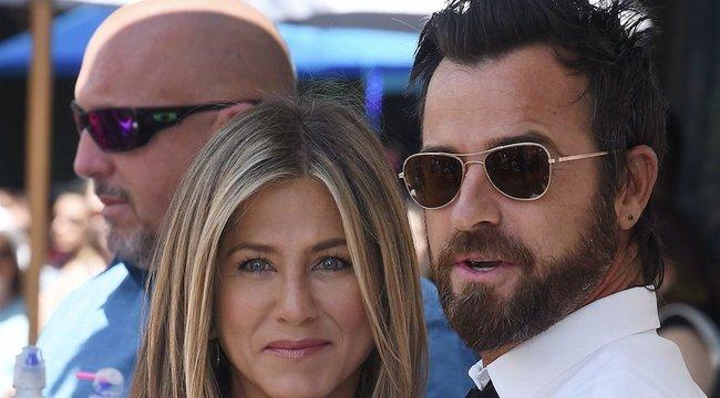 Cáfolja férjét Jennifer Aniston