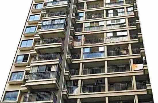 Nyolc évig loholt egy nő után, végül kidobta a 19. emeletről