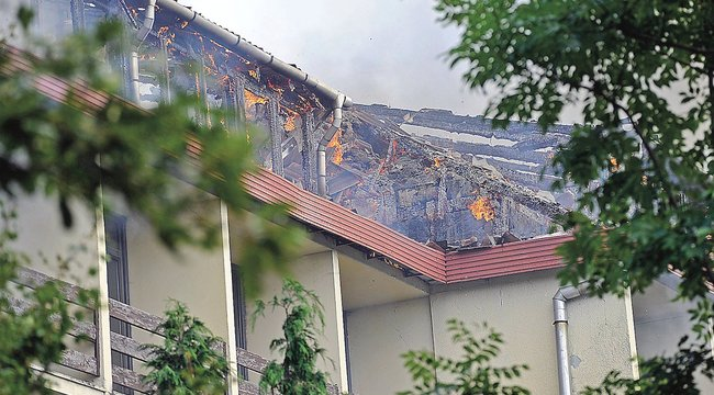 Leégett a dobokői hotel harmada