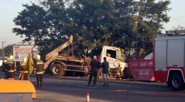 Árokban kötött ki egy teherautó a fővárosban - fotók