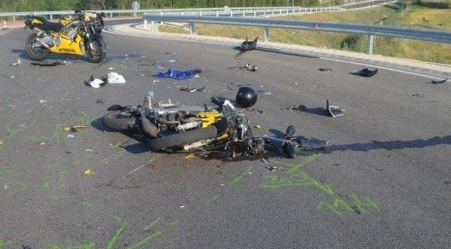 Szörnyű baleset: haladási iránnyal szembenhajtott a motoros a körforgalomba Győrnél - fotó