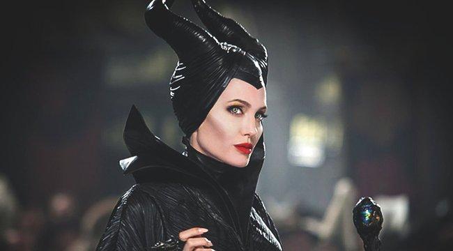 Ismét színészkedik Angelina Jolie