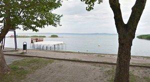 Idős horgász tűnt el a Balatonban, a feleségét sikerült kimenteni