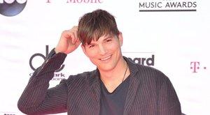 Hoppá! I love Budapest pólóban mulatott Ashton Kutcher