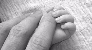 Gólyahír! Megszületett ÉNB Barbi kislánya - fotó