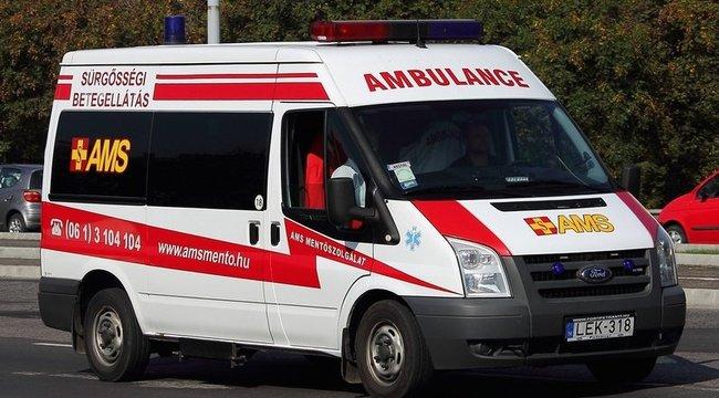 Kórházba indultak, burgerezni mentek a rákos nővel a mentősök