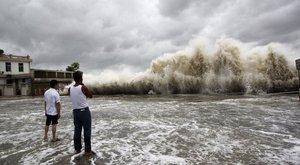 Nagy erejű tájfun csapott le Japán délnyugati partjaira