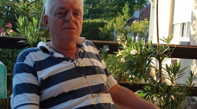 Bors-játék:János pecabotot vesz unokájánaka Bors nyereményéből