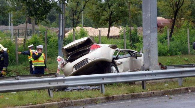 Halálos baleset történt a Ferihegyi reptérre vezető úton – fotók