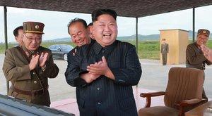 Kim Dzsong Unbeintett a világnak