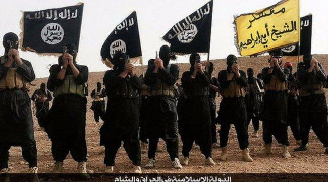 Az Iszlám Állam amerikai harcosa adta meg magát