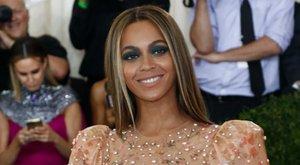 Vagyont érő tűsarkúban tipeg Beyoncé kislánya - fotó