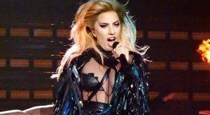 Lady Gaga mellein csámcsog a fél világ