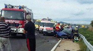 Halálos baleset Pásztónál: alig maradt valami a kocsiból