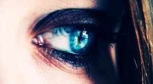 Rémálom: a kisfiú végignézte, amint apja kitépi anyja szemeit