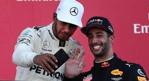 Grimaszcunamit zúdított Ricciardo Hamiltonra - fotók