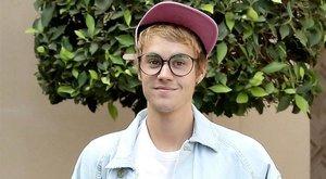 Új karrierbe vágott Justin Bieber